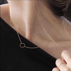 Jewelry - 🆕 Dainty Circle Necklace